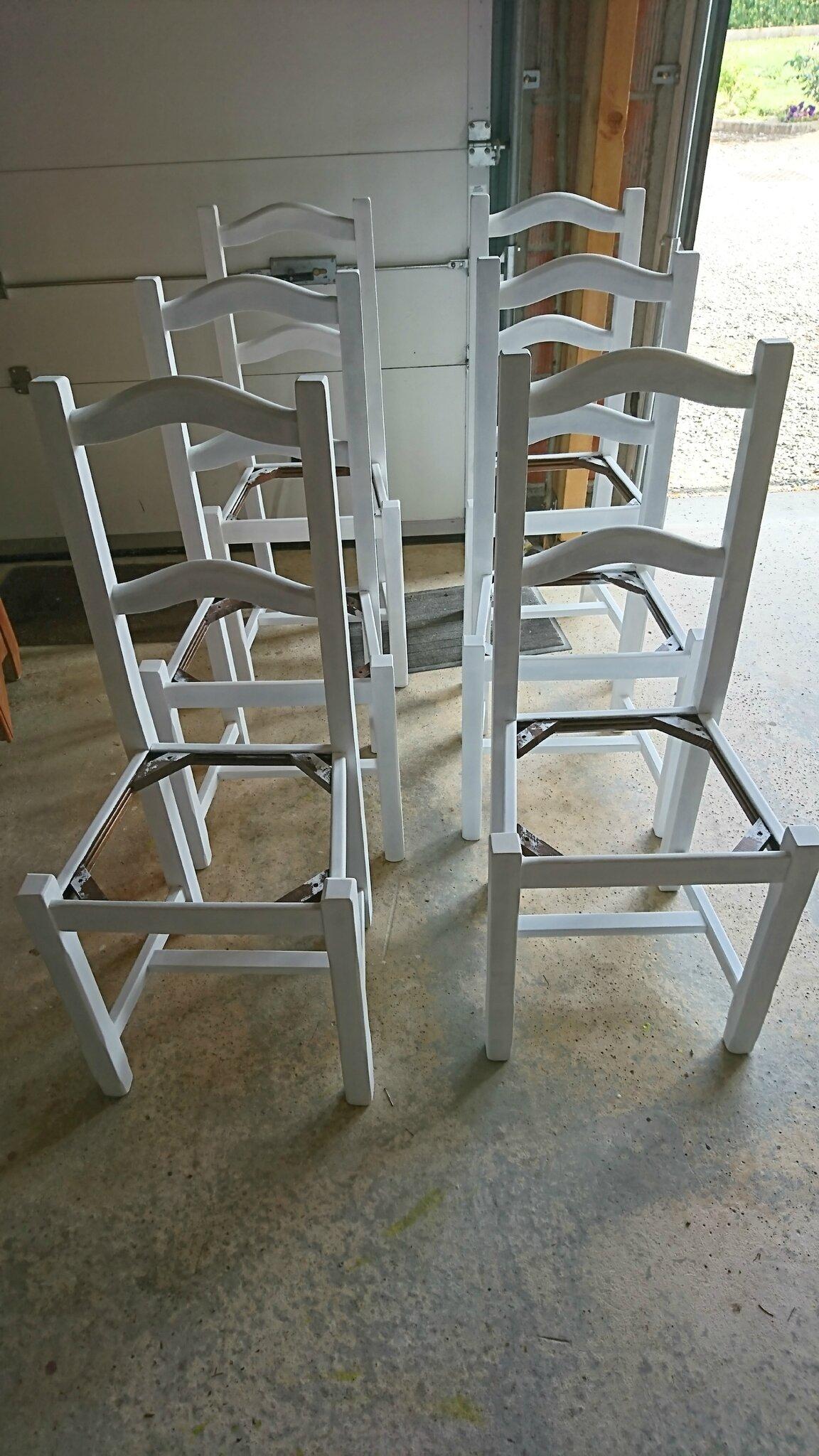 Comment Repeindre Des Fauteuils En Rotin moderniser une chaise en paille - chez mymy 79