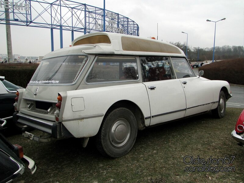 citroen-ds-ambulance-2