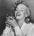 1949_emotion_drink_010_by_halsman_1