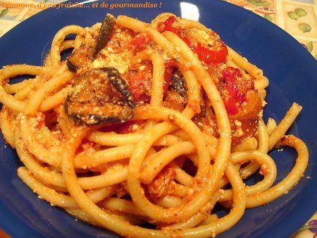 Bucatini_aux_l_gumes_grill_s__tomates_et_ricotta_cuite