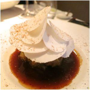 Tarte à l'oignon doux des Cévennes, foie gras poêlé, champignons de Paris et noix de muscade (1)