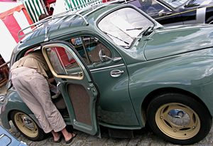 Renault_4cv_table___langer