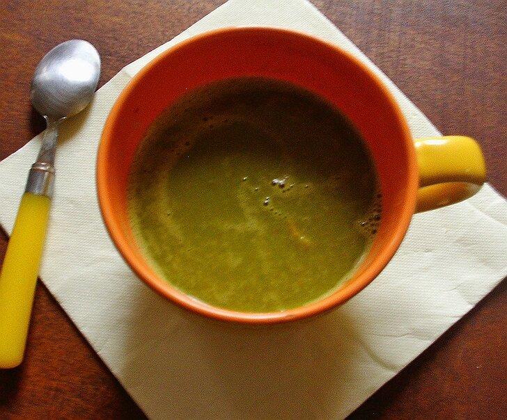 Soupe de petits pois au lard à l'orange