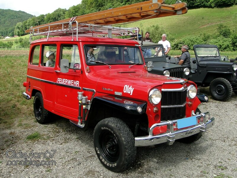 willys-jeep-wagon-firetruck-1954-1962-01