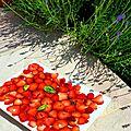 Carpaccio de fraises, balsamique et basilic