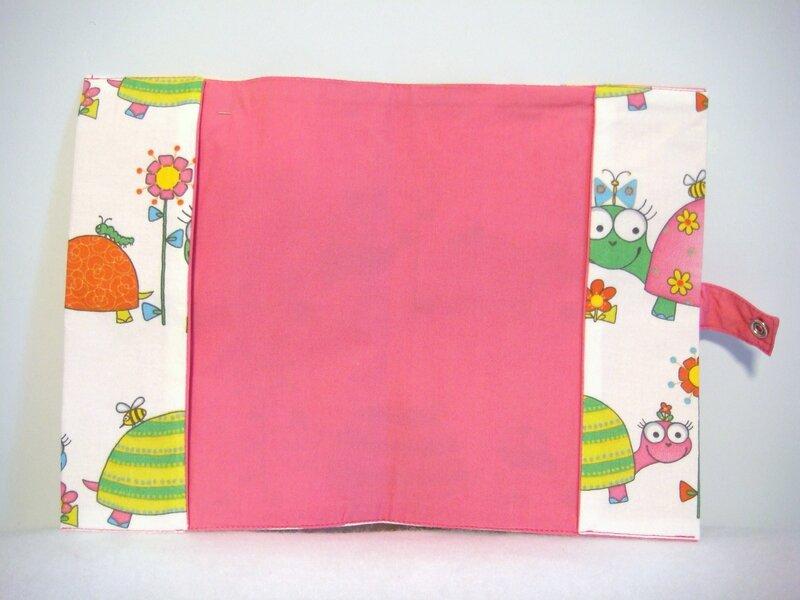 Protège carnet tortues rose et fleurs intérieur