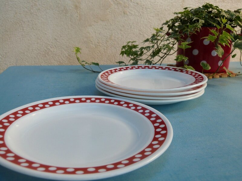 assiette-polka-rouge