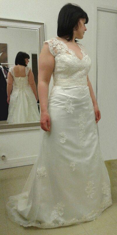 Retouches finales robe de mariée Estelle devant