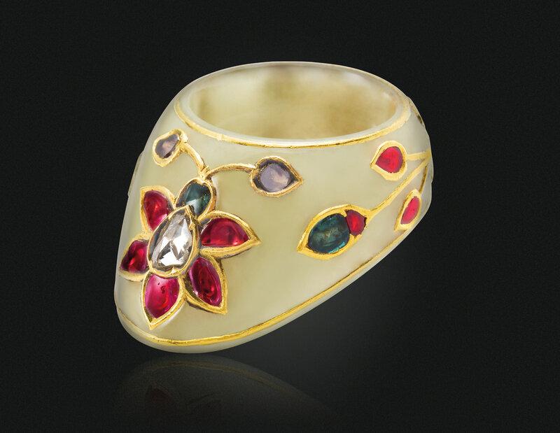 2019_NYR_17464_0015_000(a_gem_set_jade_archers_ring_india_1750-1800)
