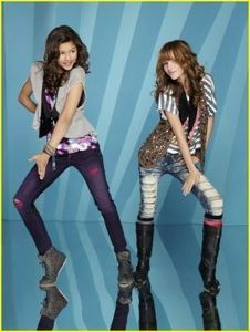 Bella-And-Zendaya-bella-avery-thorne-16732913-301-400