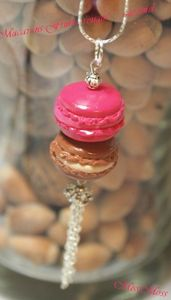 Collier macaron fruits rouges caramel