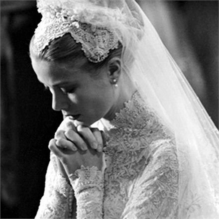 grace-kelly-wed01-16335_0x440