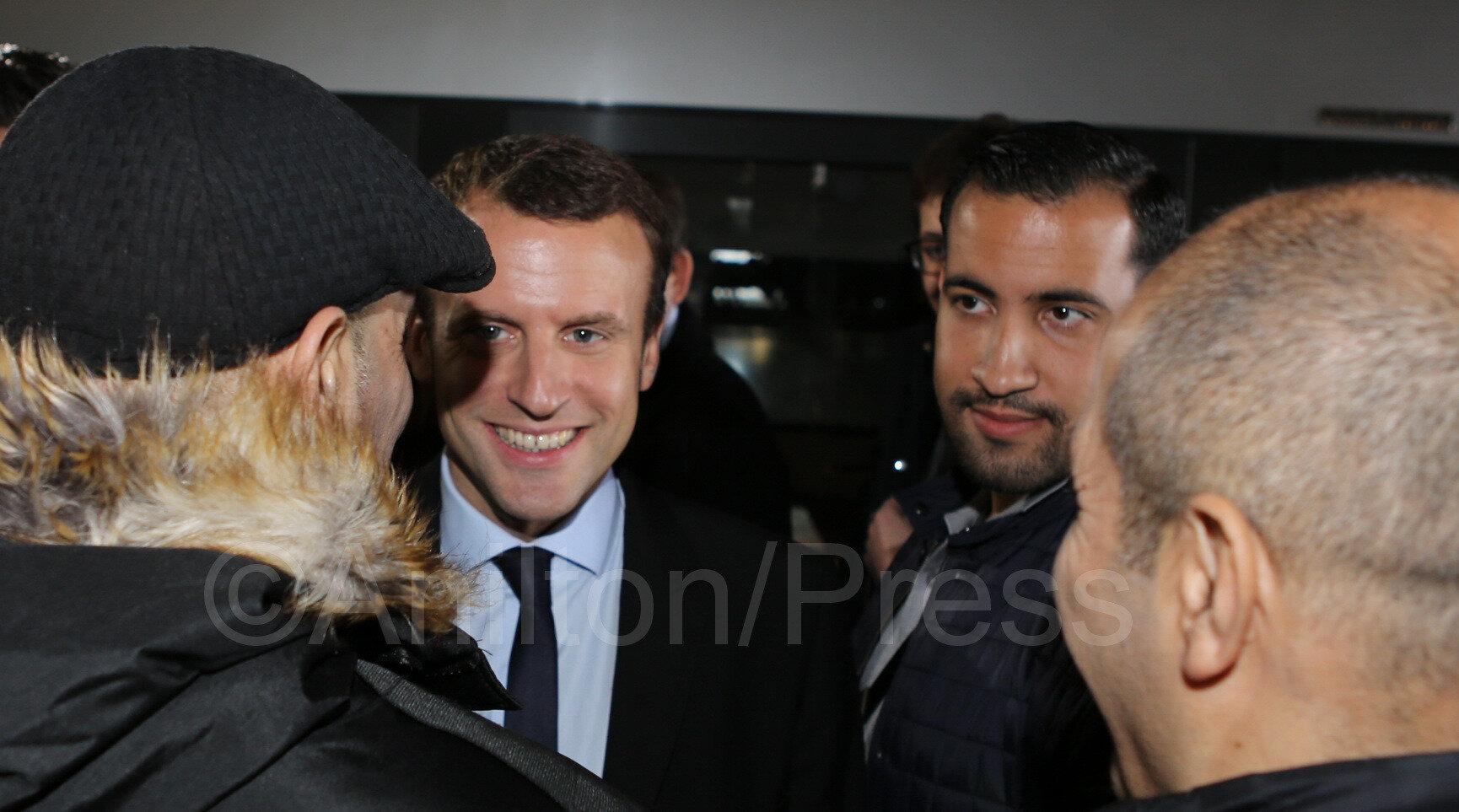 """Emmanuel Macron a sauté sur une mine elle s'appelle """"Benalla"""""""