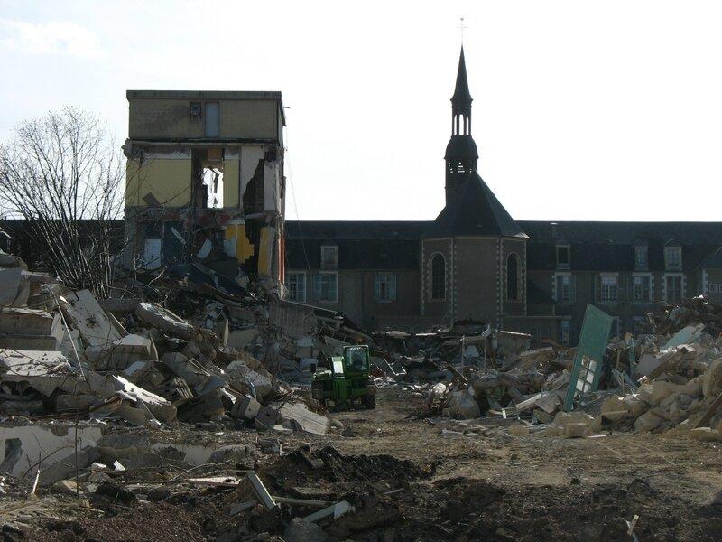 Nevers, hopital, destruction