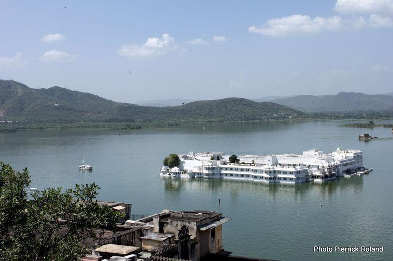 Udaipur Lake palace sur le lac pichola
