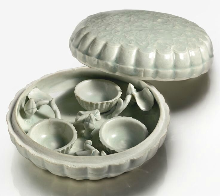 A Qingbai box and cover, Song dynasty