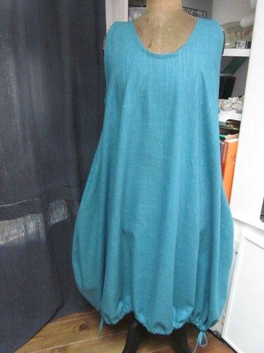 Robe HENRIETTE en lin bleu lagon (2)