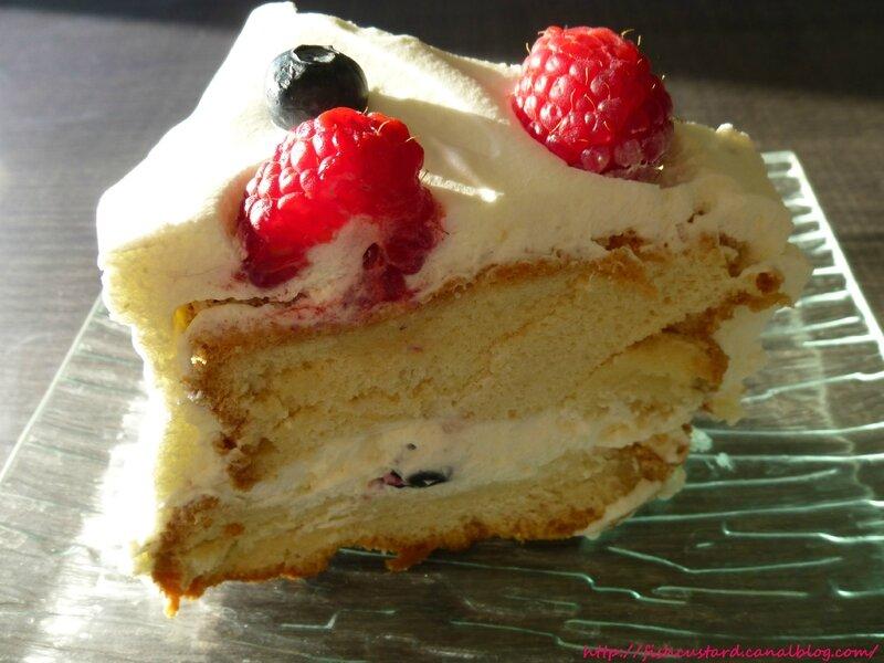 Angel Food Cake aux fruits rouges et à la crème citronnée (48)