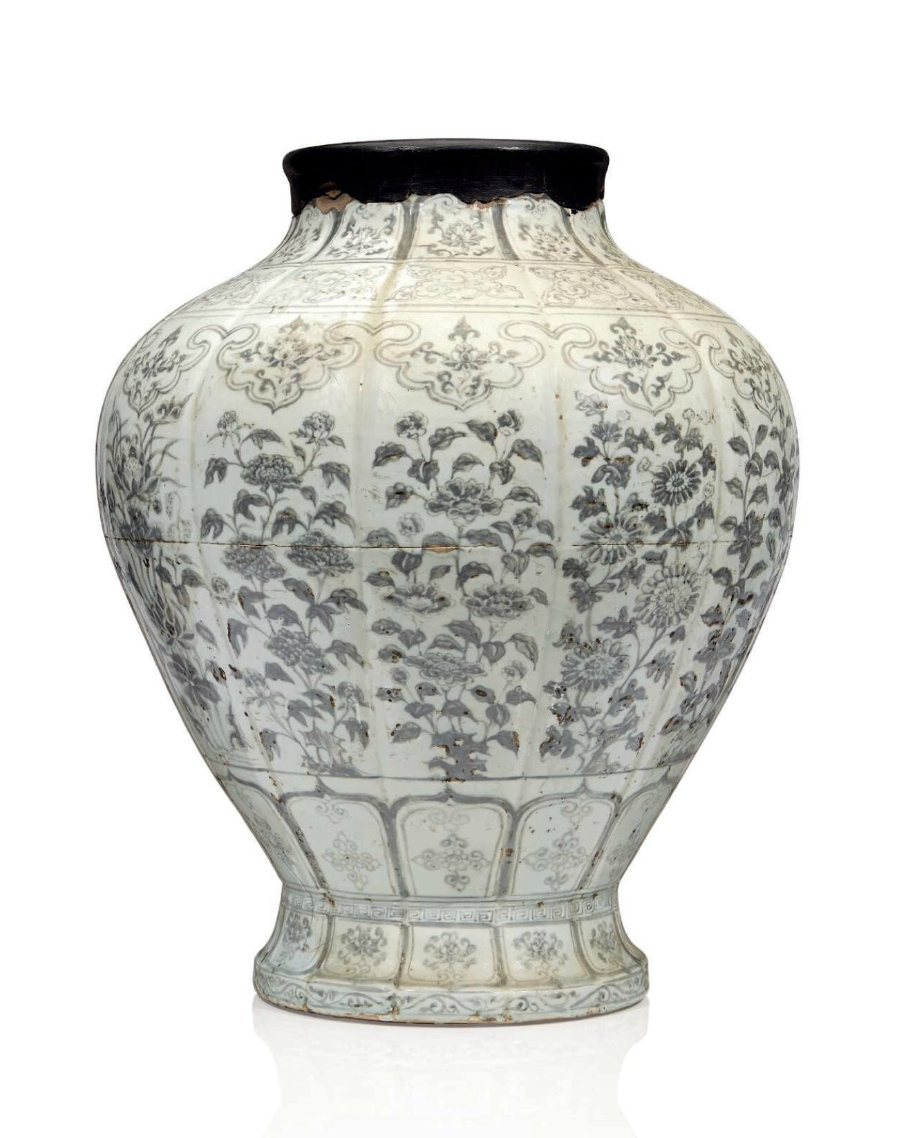 An important, very rare and large Early Ming copper-red-decorated jar, guan, Hongwu period (1368-1398)