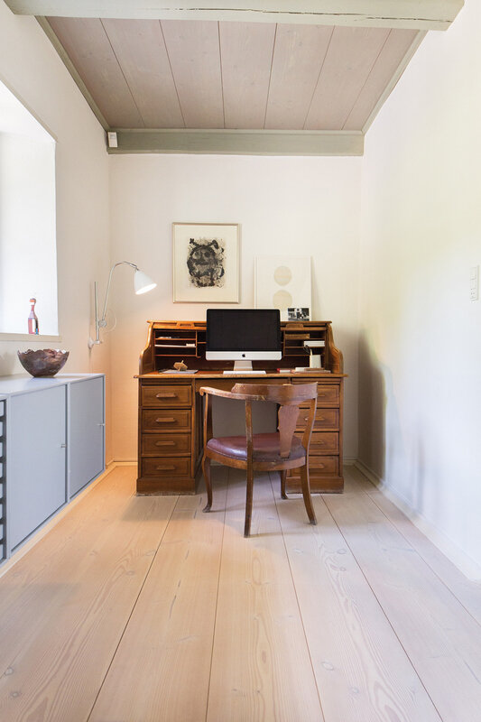 Farmhouse in Denmark and designed by Dinesen (6)
