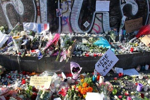 Hommage attentats Répu 13-11-15_5383