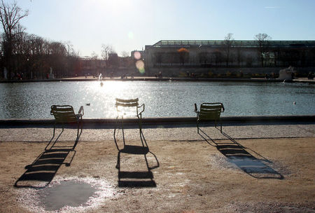 1_chaises__ombres__contre_jours__Tuileries_2505