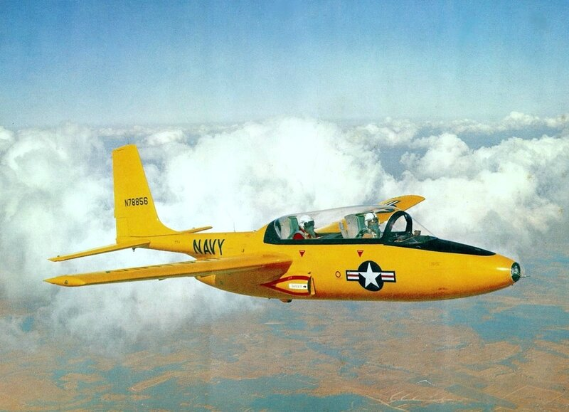 1200px-Temco_TT-1_Pinto_in_flight_(colour)_c1957