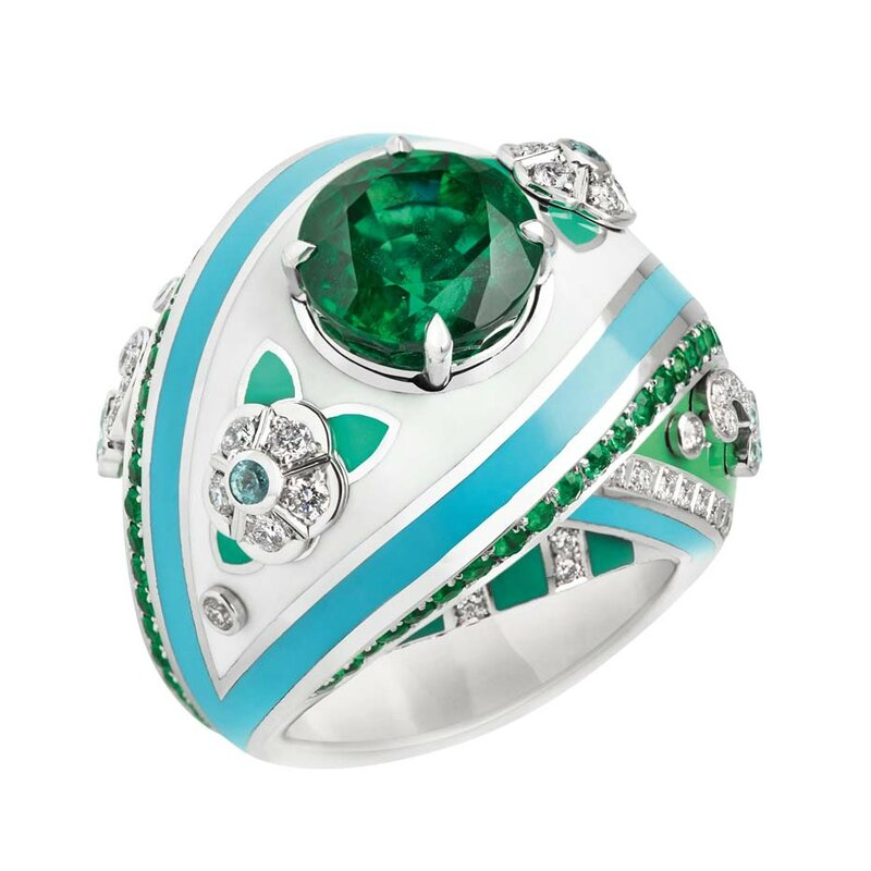 Fabergé ring from the Summer in Provence high jewellery collection, set with emeralds and diamonds and decorated with enamel