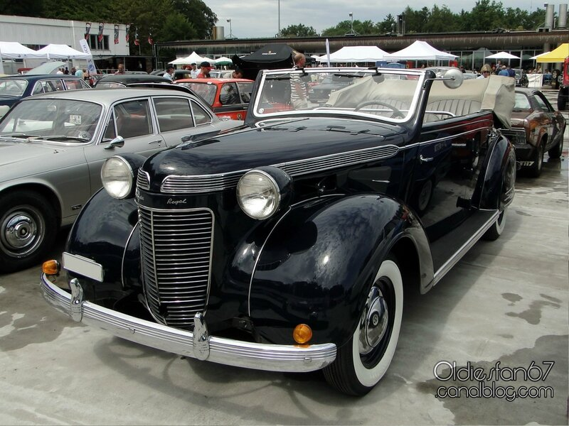 chrysler-royal-4door-convertible-langenthal-1937-01