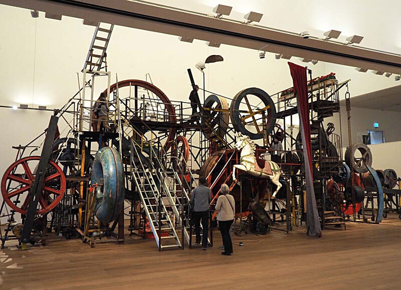 7-musee-tinguely-bales-suisse-architecture-ma-rue-bric-a-brac