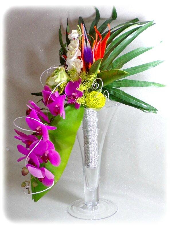 Bouquet de mariée cascade orchidée fuchsia blanc vert oiseau de paradis mariage exotic