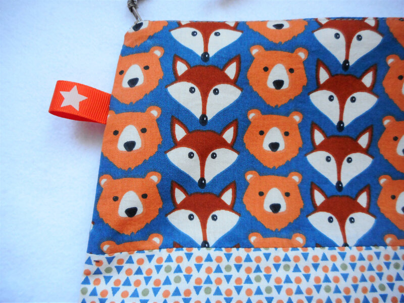 Trousse renards ours triangles zoom haut