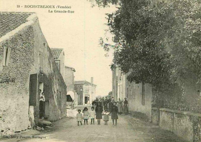 Rochetrejoux Grande rue