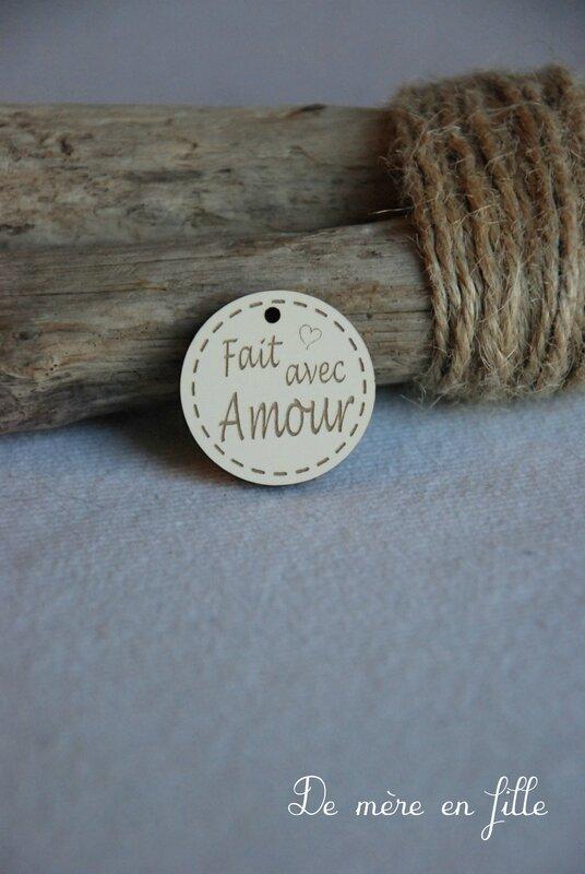 Médaille fait avec amour ivoire