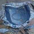 besace bleue plissée