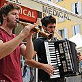 Millau : musique dans la rue