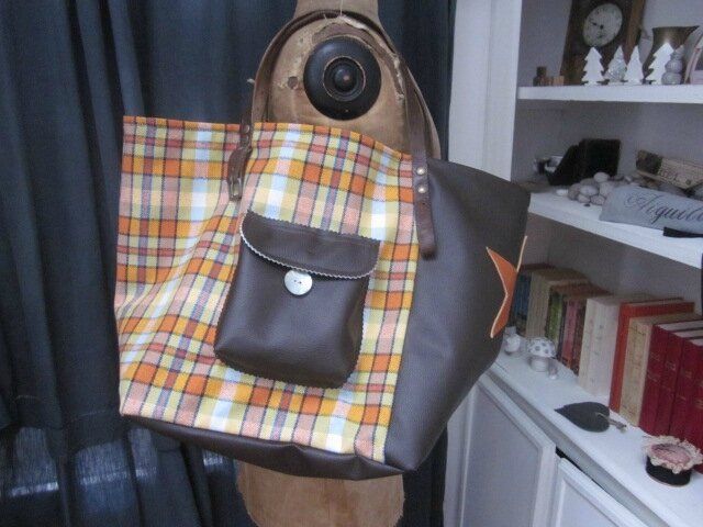 Sac FELICIE n°25 en lainage vintage écossais orange et simili cuir choocolat