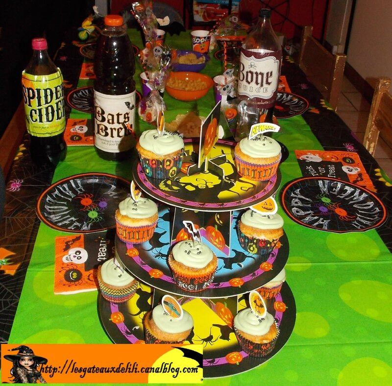 2013 10 23 - cupcakes et table halloween (1)