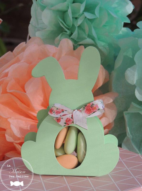 sujet enfant lapin vert mint ruban fleuri liberty corail saumon ballotin dragées baptême
