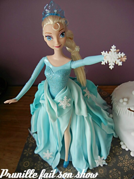 gateau elsa reine neiges prunillefee