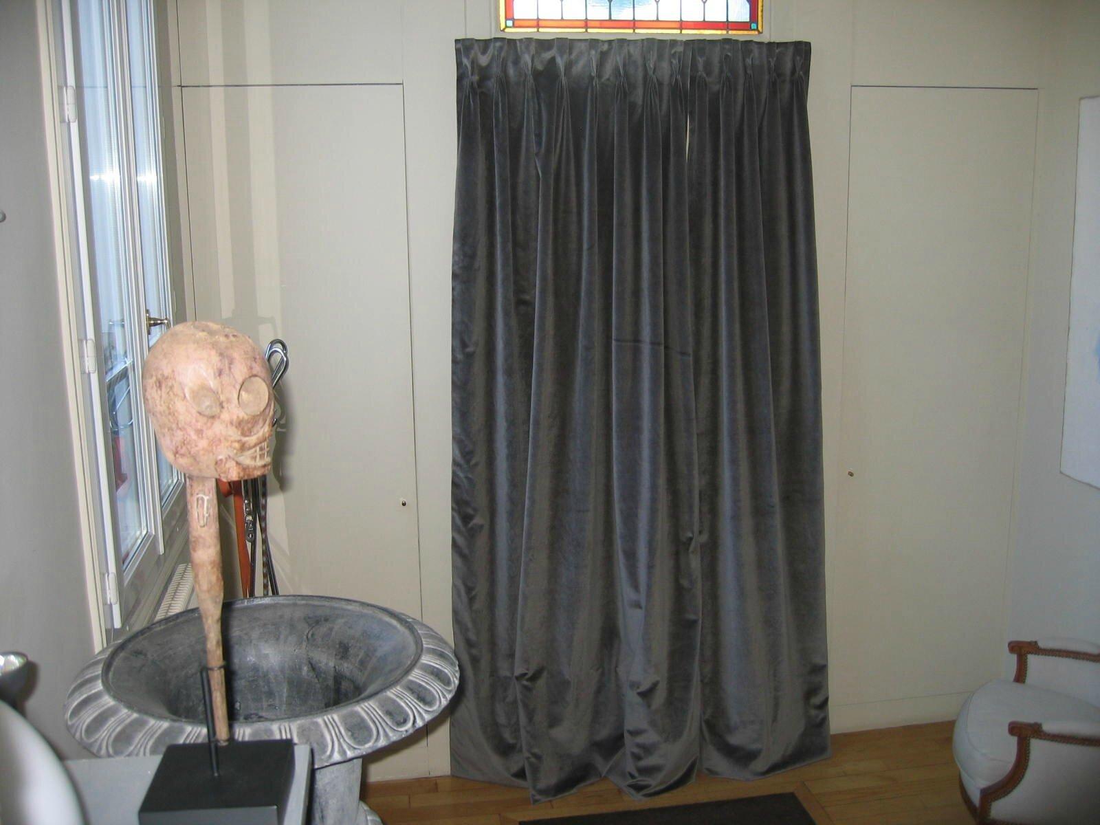 rideau de porte en velours noir - Photo de Les rideaux - Blanche l\'a ...