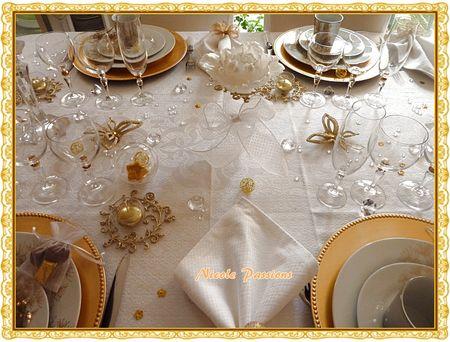 Décoration table noel blanc et doré