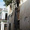 36. La Havane - arbre et façade!