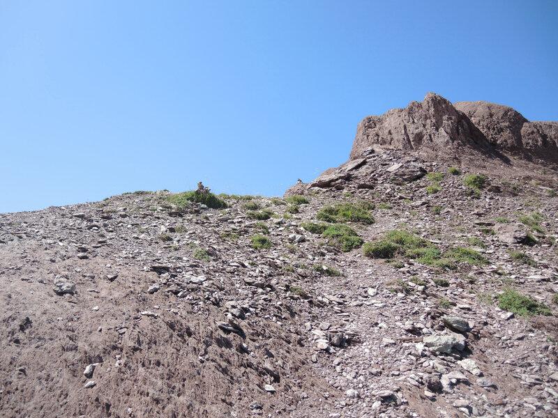 L) Lac d'Arlet, col d'Arlet, sentier pour le pic d'Aillary