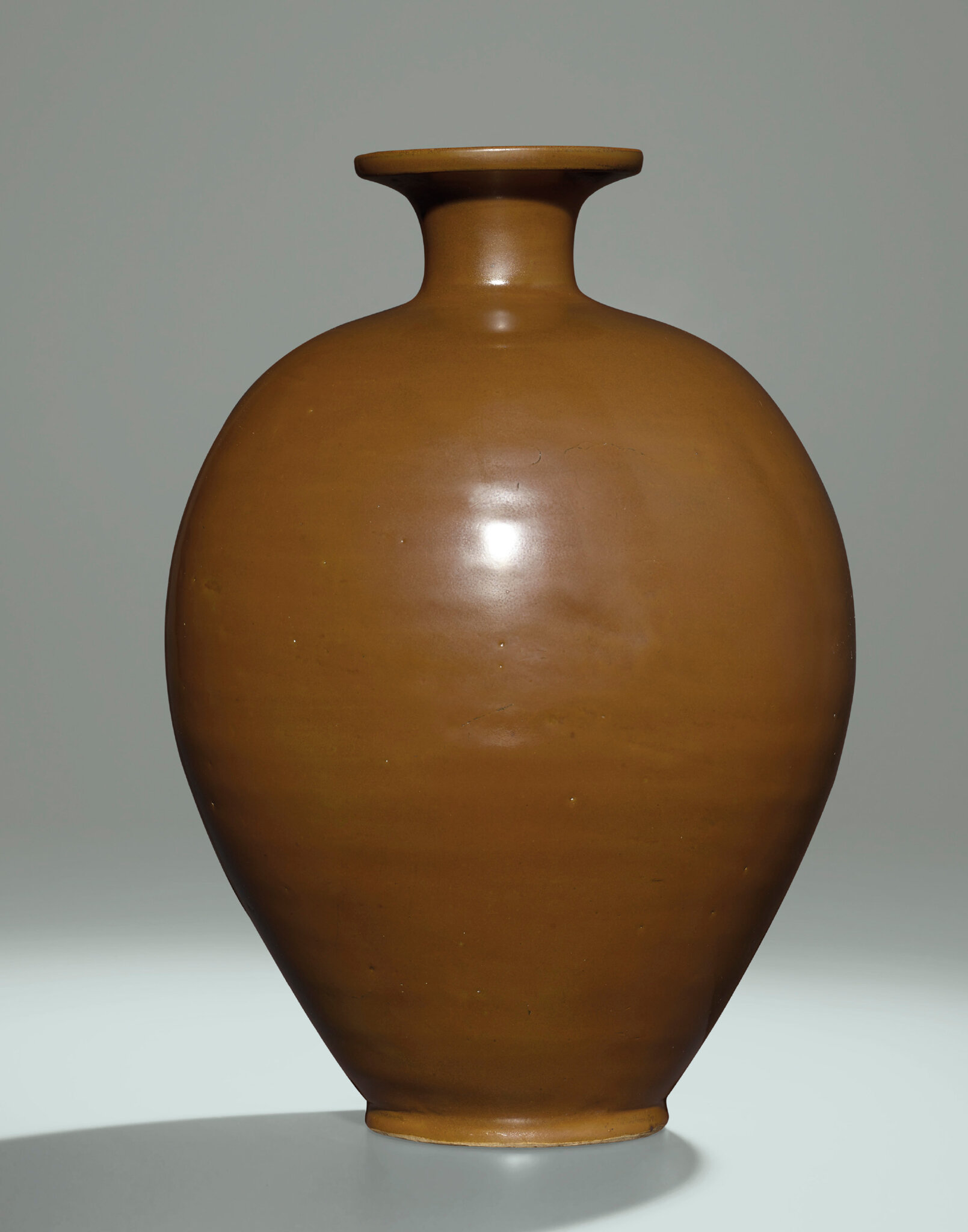 2014_HGK_03323_3216_000(a_yaozhou_persimmon-glazed_vase_meiping_northern_song_dynasty)