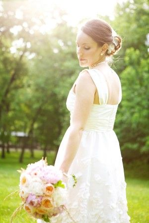 Peach_Pink_Garden_Wedding_Inspiration_1_300x450