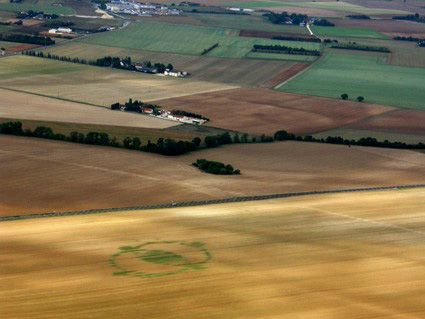 crop circle apres moisson bourges2