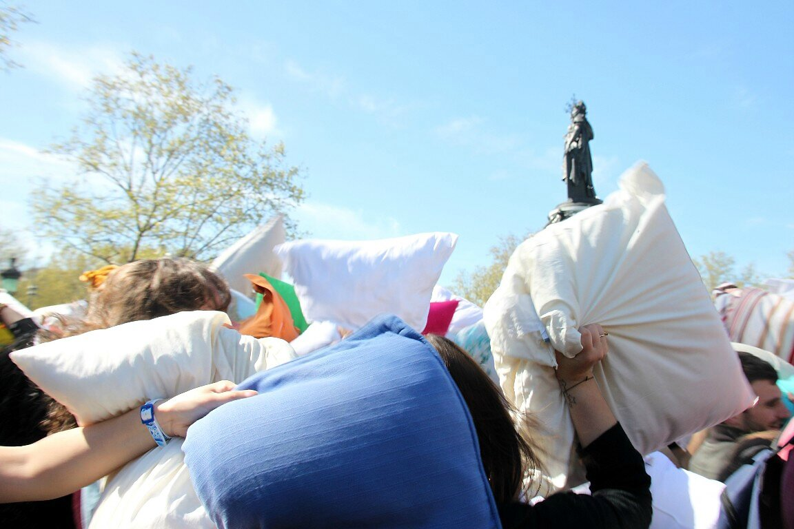 Pillow Fight 2014_3895