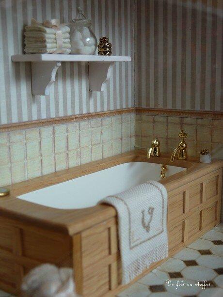 baignoire et étagère