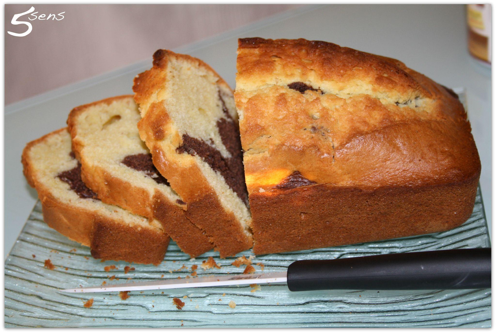 Gateau Marbre Au Yaourt Et Chocolat Les 5 Sens En Cuisine